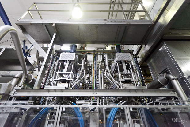 Фоторепортаж: Как делают йогурты на молочном заводе. Изображение № 45.