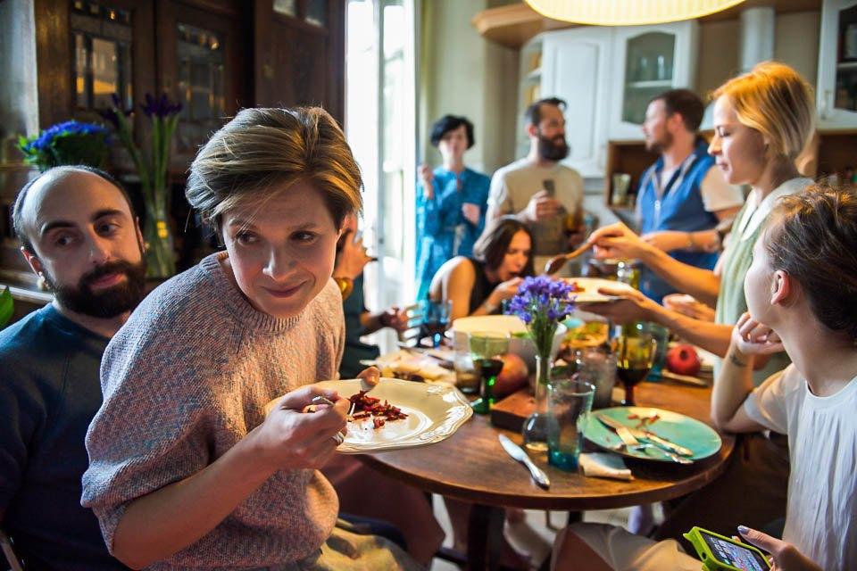 Кто изачем устраивает домашние званые ужины иобеды вМоскве. Изображение № 47.