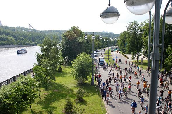 Велопарад Let's bike it!: Чего не хватает велосипедистам в городе. Изображение № 1.