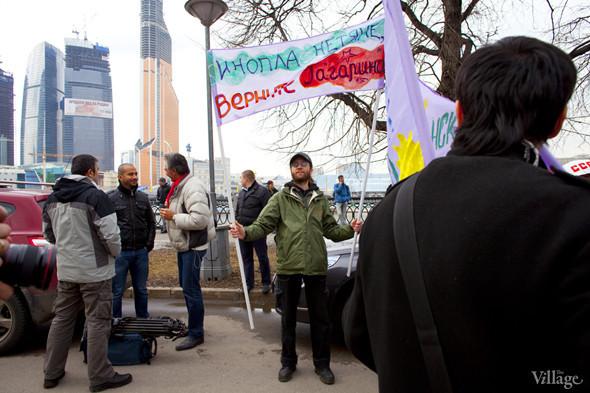 В Москве прошло арт-шествие в честь Дня космонавтики. Изображение № 3.