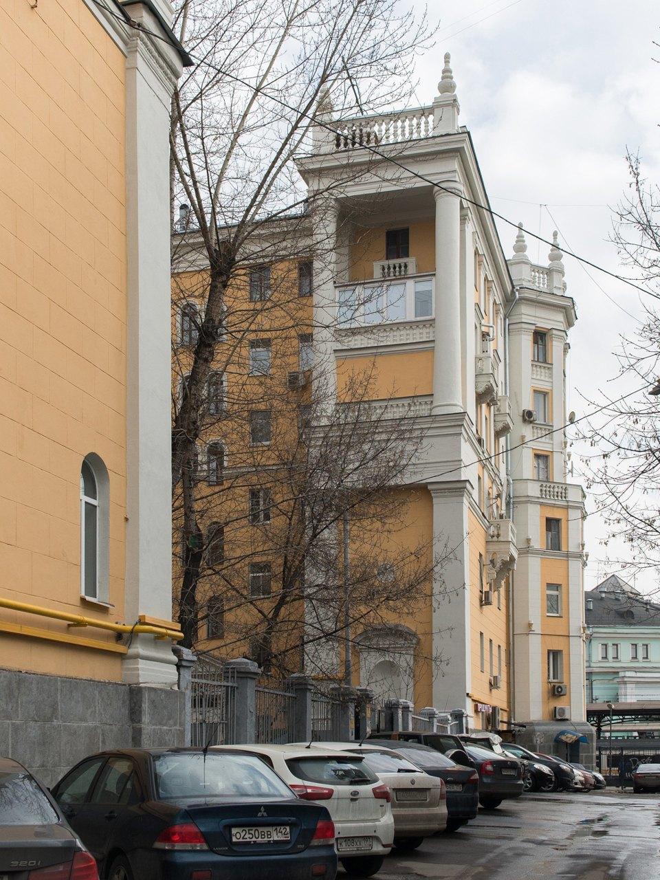Я живу в «Доме с башенками» уБелорусского вокзала. Изображение № 8.
