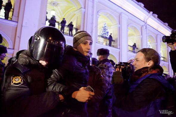Хроника выборов: Нарушения, цифры и два стихийных митинга в Петербурге. Изображение № 24.