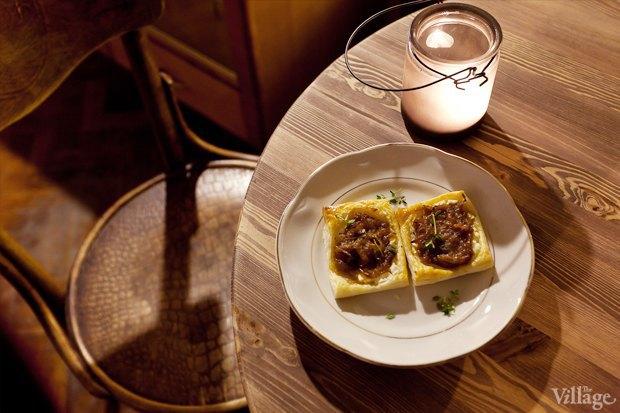 Тарты с карамелизированным луком — 50 рублей за штуку  . Изображение № 12.
