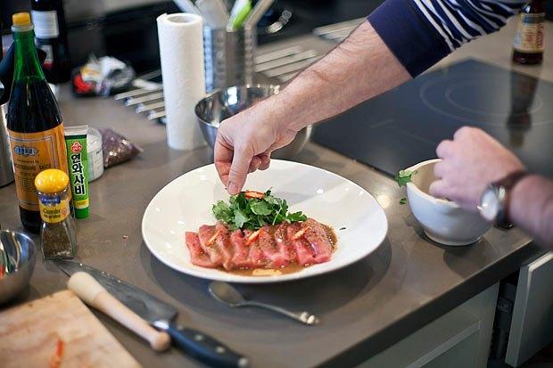 Шеф дома: Том ям и сашими из тунца Геннадия Иозефавичуса. Изображение № 98.