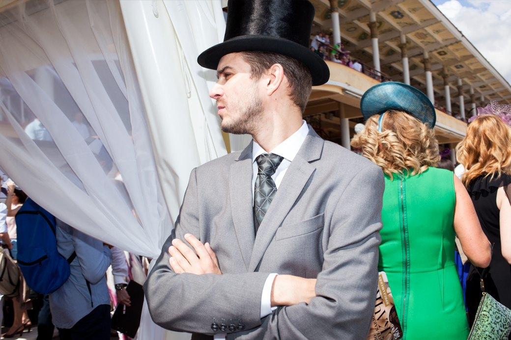 «Женщины затмили коней»:  Дамы иджентльмены намосковских скачках. Изображение № 23.