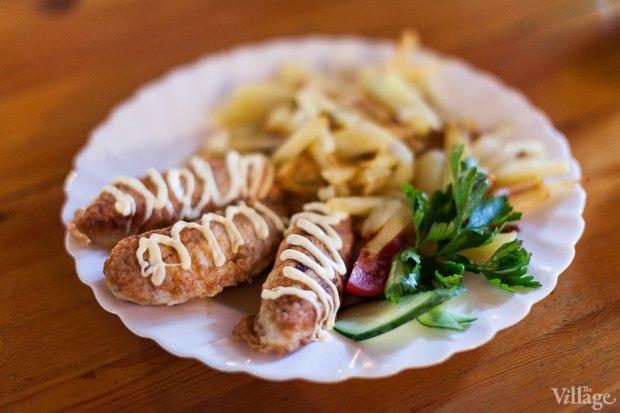 Колбаски по-львовски и жареный картофель – 270 и 80 рублей. Изображение № 10.