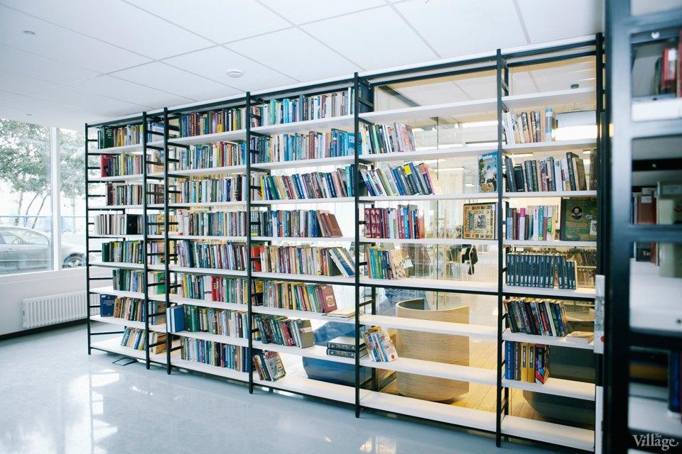Фото дня: Как выглядит современная библиотека. Изображение № 16.