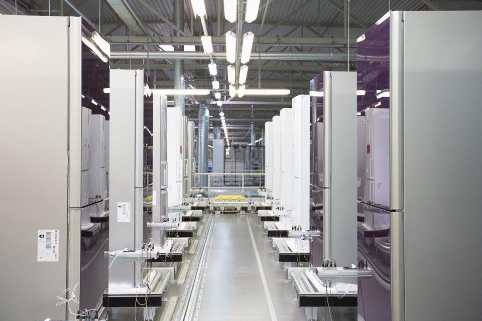 Как собирают дизайнерские холодильники . Изображение № 23.