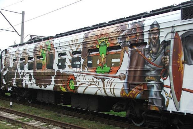 Электричка с граффити будет курсировать между Петербургом и Новгородом. Изображение № 2.