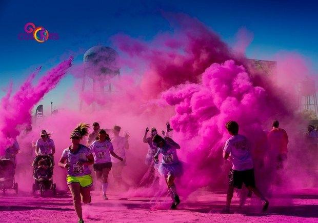11 мая в Петербурге пройдёт первый забег в красках Холи. Изображение № 1.