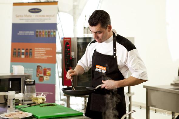Omnivore Food Festival: Андрей Рывкин готовит карри из петуха на монастырском квасе. Изображение № 18.