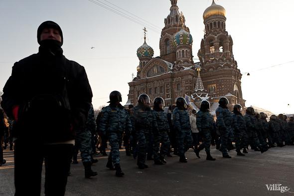 Фоторепортаж: Шествие за честные выборы в Петербурге. Изображение № 32.