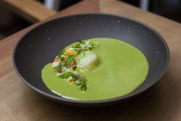 3 холодных супа: томатный с арбузом, огуречный с моцареллой и свекольный с черешней. Изображение № 3.