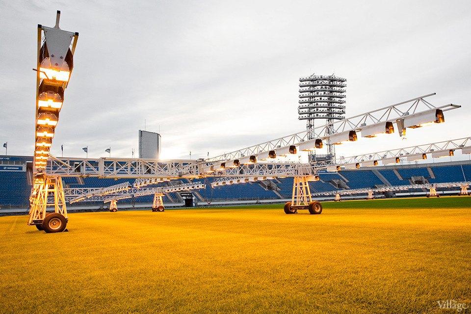По газону не ходить: Работа агронома нафутбольном стадионе . Изображение № 6.