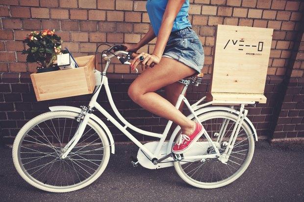 В городе заработала велолавка с сувенирами и туристическими картами. Изображение № 1.