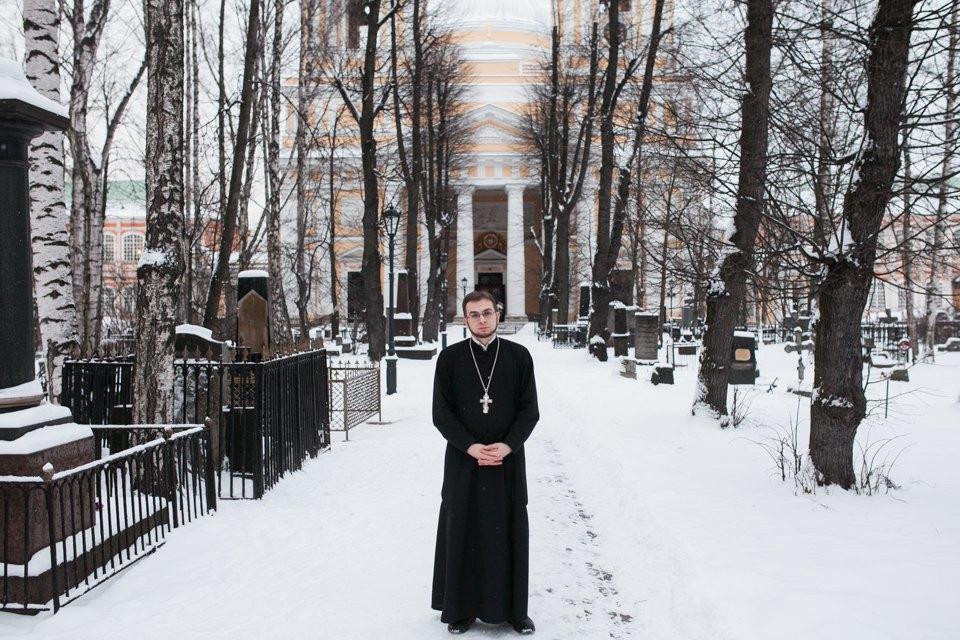 Священнослужитель— оправославных активистах, смерти иселфи. Изображение № 2.