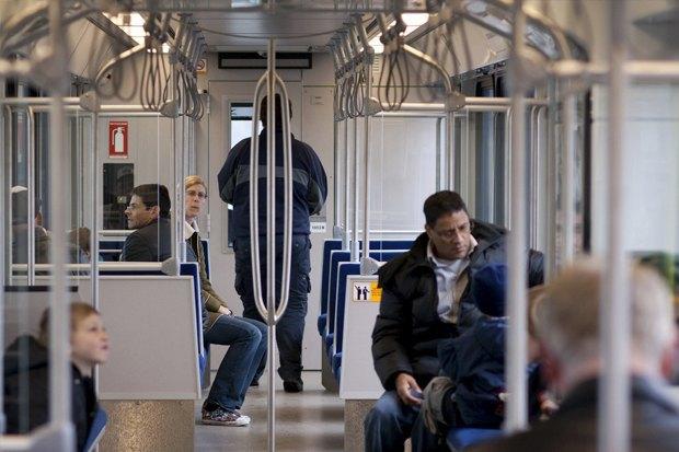 Как метро Нью-Йорка, Мельбурна, Сеула стало безопасным видом транспорта . Изображение № 34.