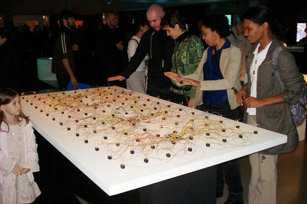 Интерактивная инсталляция Лео Нуньеса. Изображение № 3.