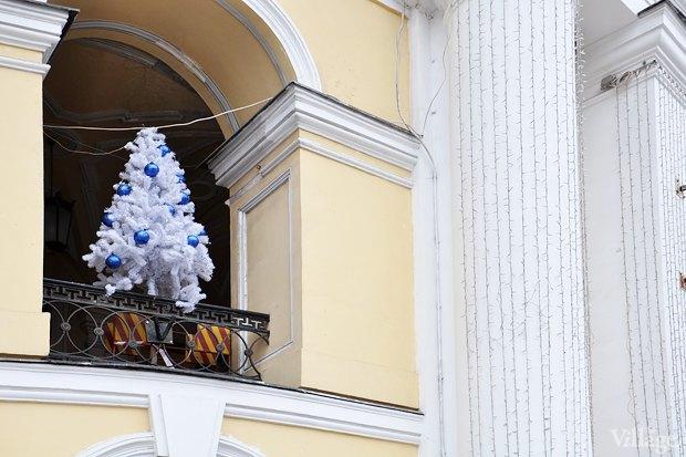 Фото дня: Петербург начали украшать к Новому году . Изображение № 2.