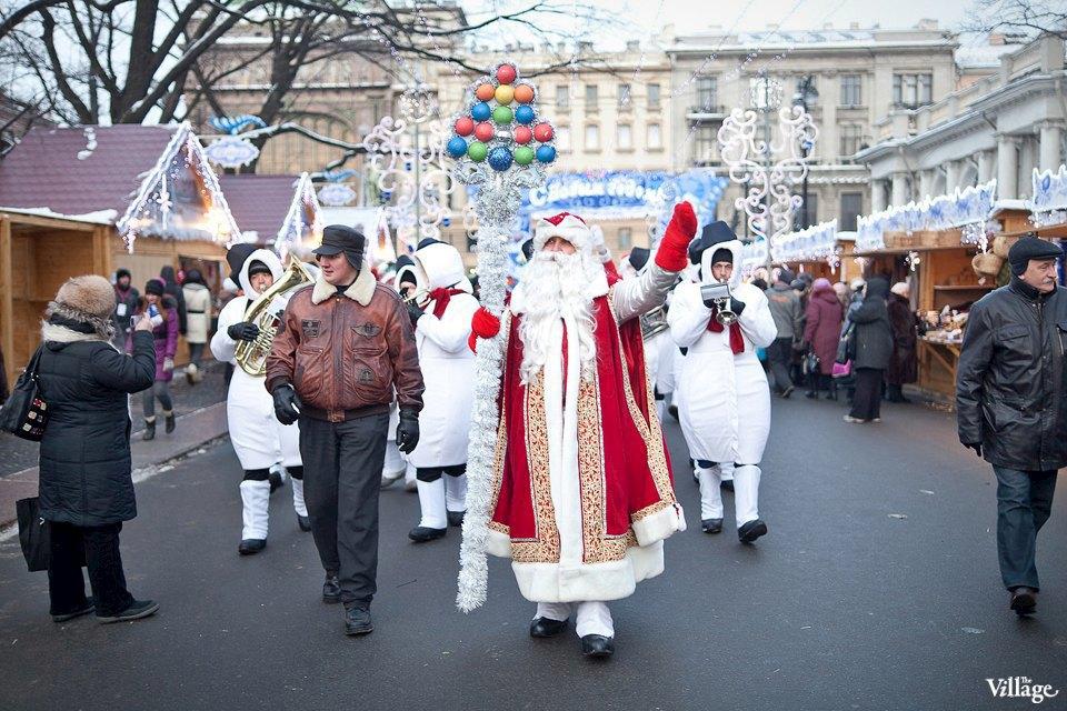 Люди в городе: Продавцы рождественской ярмарки на Островского. Изображение № 1.