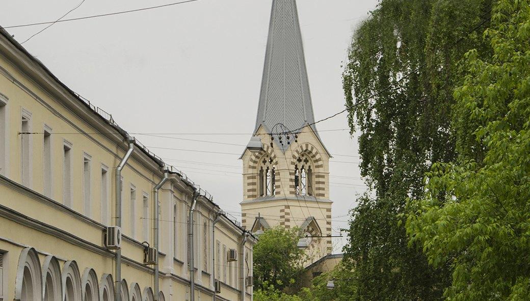 Вид на Кафедральный собор святых апостолов Петра и Павла. Изображение № 7.