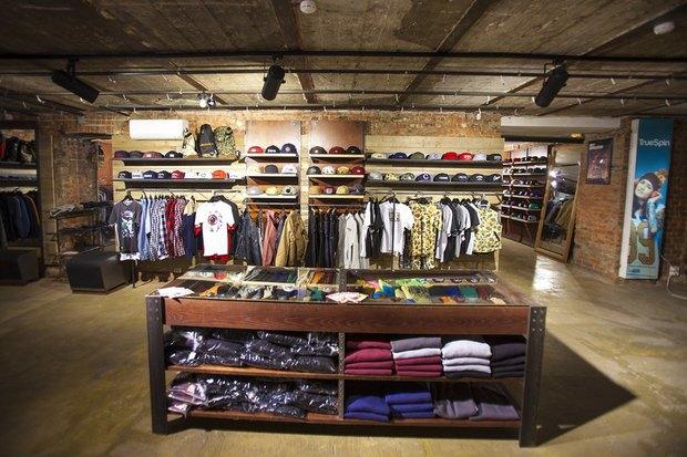 На Большой Конюшенной открылся московский магазин уличной одежды 21shop. Изображение № 4.