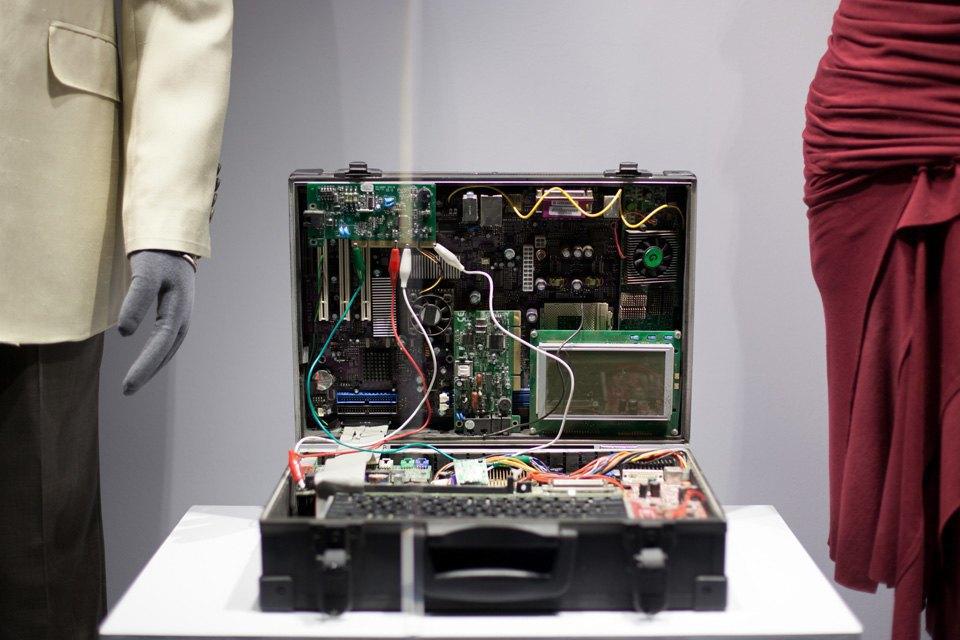 Что посмотреть навыставке «Дизайн007: 50лет стилю ДжеймсаБонда». Изображение № 17.