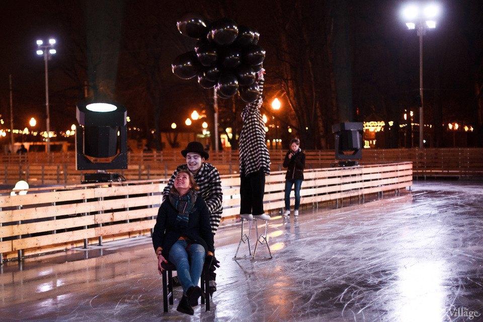 Люди в городе: Первые посетители катка в парке Горького. Изображение № 11.