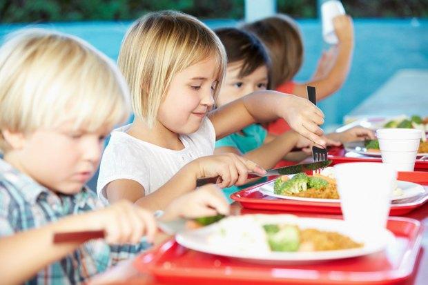 Как у них: Что едят дети вшколах Сиднея, Парижа, Берлина, Монреаля, Ханоя иМариуполя. Изображение № 11.