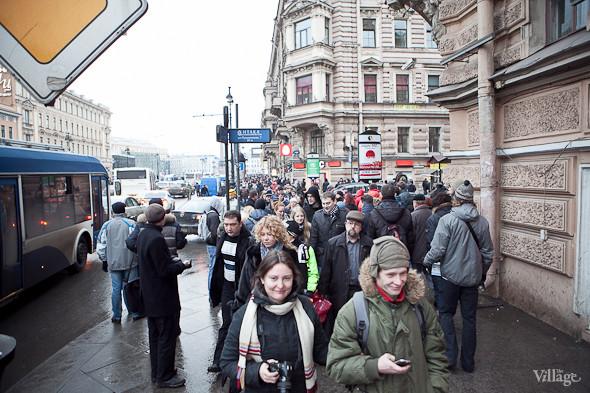 Фоторепортаж: Митинг против фальсификации выборов в Петербурге. Изображение № 3.