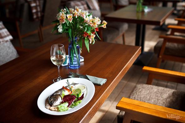 Сибас в соли — 640 рублей, белое вино Pinot Grigio Rapido — 395 рублей за бокал. Изображение № 29.