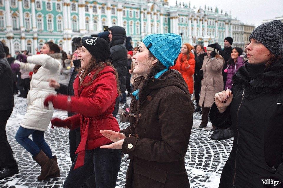 Фоторепортаж: Gangnam Style и зарядка на Дворцовой площади. Изображение № 19.