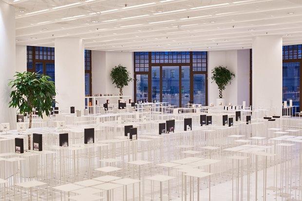 В AuPontRouge открылся этаж Cosmotheca сминималистическим дизайном иконвейером. Изображение № 1.
