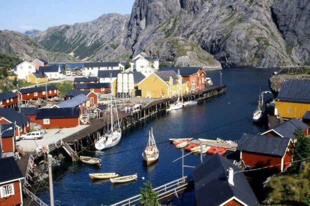 Как у них: Жители Норвегии, ЮАР, Испании — об отношениях с соседями. Изображение № 15.