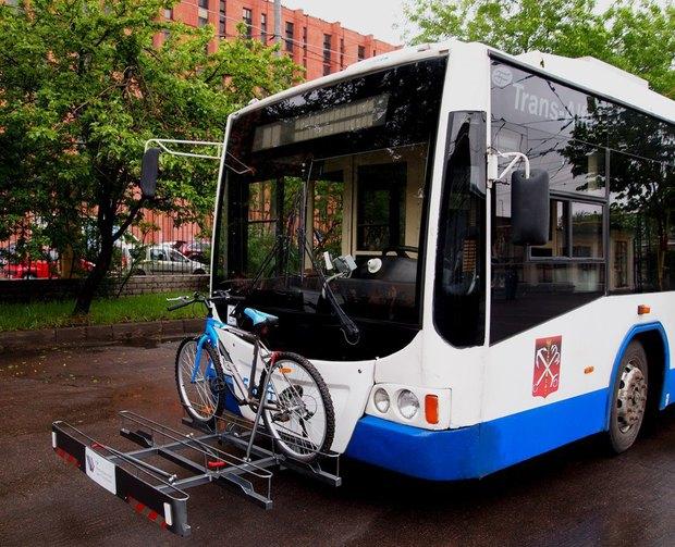 В парке «Горэлектротранса» появился троллейбус скронштейном для велосипедов. Изображение № 1.