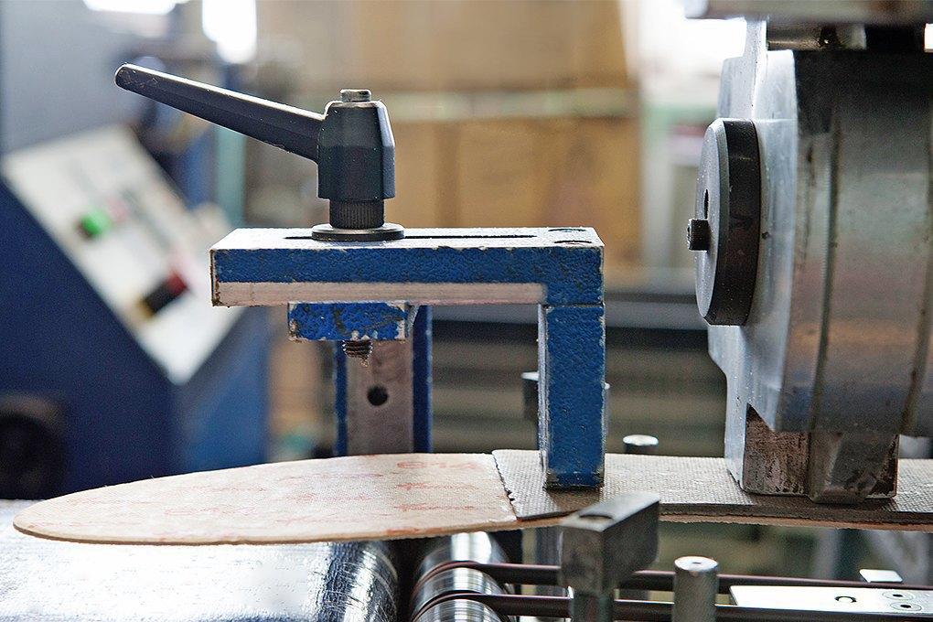 Производственный процесс: Как делают ботинки. Изображение № 16.