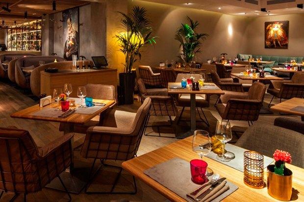 Кафе HummusSapiens, рестораны Chicha и«Латинский квартал», кафе BurgerHeroes и«Юность» в«ЭМА». Изображение № 1.