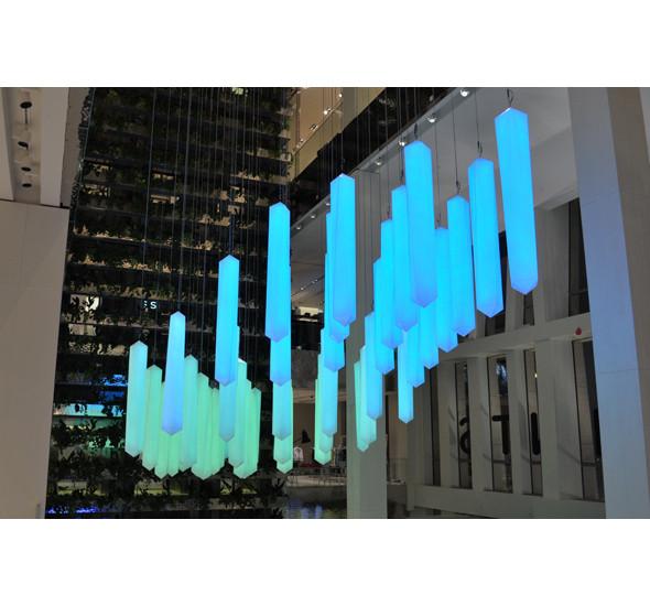 Изображение 5. В столичном универмаге появилась световая инсталляция.. Изображение № 7.