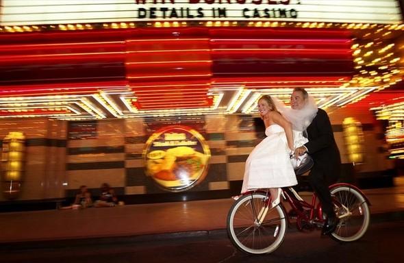 В День святого Валентина «Две палочки» будут играть свадьбы. Изображение № 5.