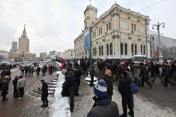 Митинг «За честные выборы» на проспекте Сахарова: Фоторепортаж, пожелания москвичей и соцопрос. Изображение № 4.
