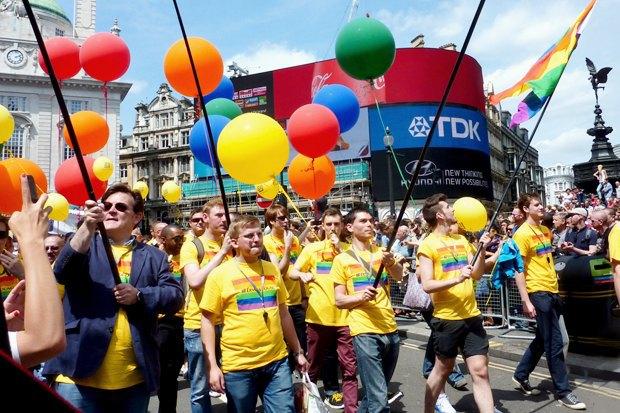 Радужный триколор: Как Nokia, Citi, Coca-Cola, Nike, Ford относятся к ЛГБТ-сотрудникам в России. Изображение № 8.