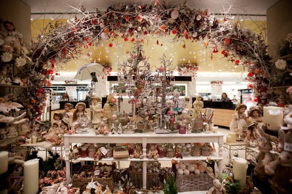 Столичные универмаги открывают рождественские ярмарки. Изображение № 2.