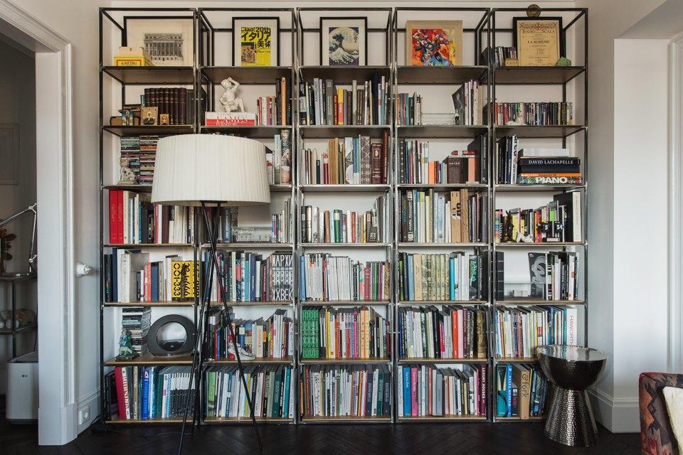 Светлая квартира архитектора всталинском доме. Изображение № 23.