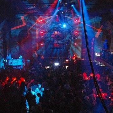 Фрида Кало вЭрмитаже, концерт TheKooks, вечеринка клуба Arma17 иещё 14событий выходных. Изображение № 5.