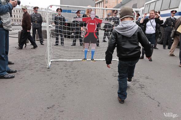 Фоторепортаж (Петербург): Митинг и шествие оппозиции в День России . Изображение № 22.