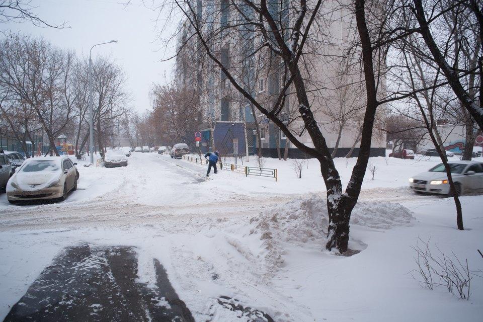 Как Москва справляется снеожиданным декабрьским снегом. Изображение № 1.