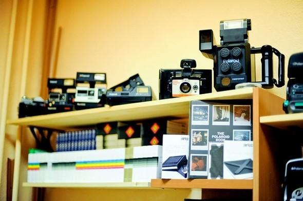 На «Чистых прудах» открылся магазин Polaroid. Изображение № 6.