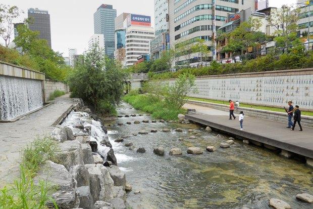 Иностранный опыт: Раскопанная река в Сеуле. Изображение № 8.