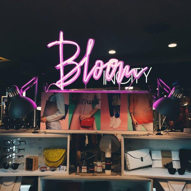 В торговом центре «Мега Дыбенко» открылся Bloom Store. Изображение № 1.