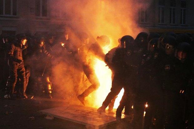Работа со вспышкой: Фотографы — о съёмке на «Евромайдане». Изображение № 2.